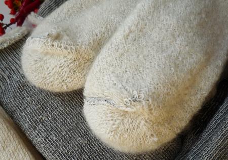 暖かいアンゴラ靴下はこんな時に