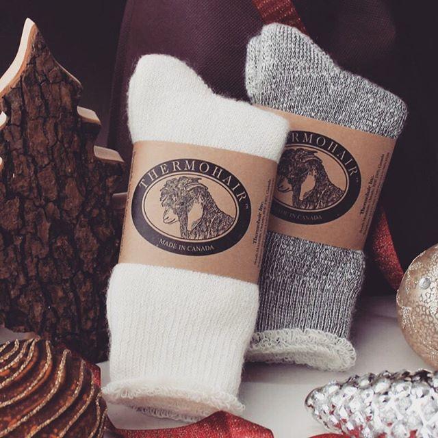 今年の冬はなんだかとっても寒い️こんな時、暖かくて、肌触り抜群の靴下のプレゼント、きっと喜ばれますよ。️アンゴラヤギの一歳未満の子ヤギの毛を使ったカナダ製のあったか靴下🧦丈夫な素材だから、洗濯機でお洗濯できます!#靴下 #ソックス #あったか靴下 #モヘアソックス #キッドモヘア #防寒 #カナダ製 #クリスマス #プレゼント #madeincanada #thermohairsocks #サーモヘア #防寒対策 #アンゴラ山羊 #大切な方への贈り物 #サーモヘアソックス #洗濯機で洗える #thermohair #とても寒い #プレゼント #暖かい靴下 #あったかソックス #冷え性 #冬支度 #ふかふか #ふわふわ #メンズソックス #男性へのプレゼント